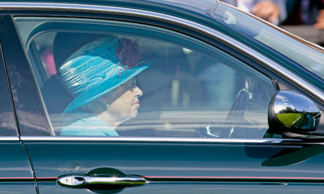 queen elizabeth driving seatbelt